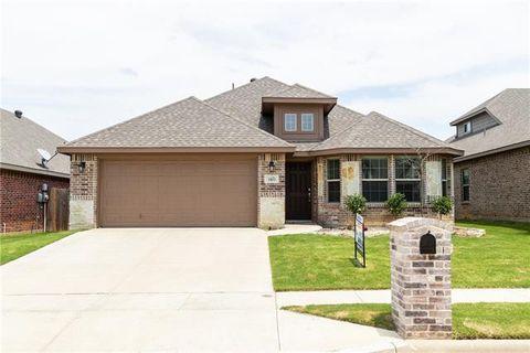 Photo of 11813 Bellegrove Rd, Burleson, TX 76028