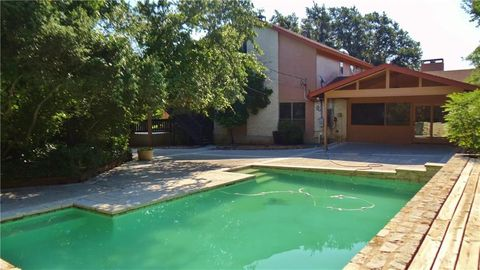 Austin, TX Houses for Sale with Swimming Pool - realtor.com®
