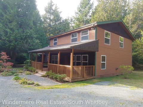 Photo of 7220 Fiske Rd, Clinton, WA 98236