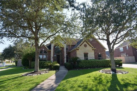 5235 Pilgrim Oaks Ln, League City, TX 77573 on