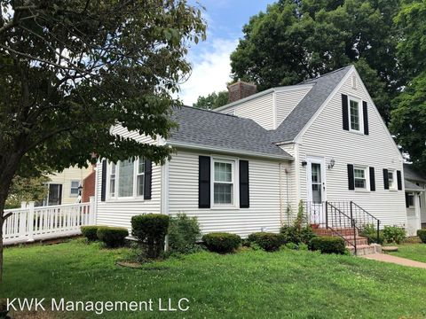 Photo of 315 Henry St, Manchester, CT 06042