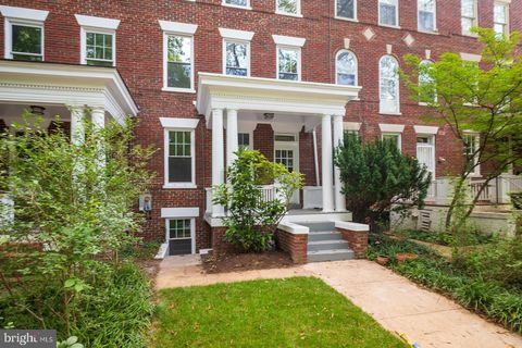Photo of 2021 Park Rd Nw, Washington, DC 20010