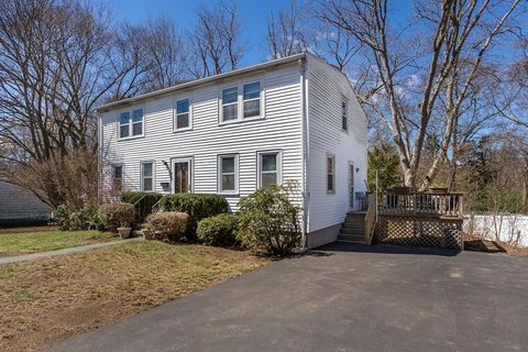 Photo of 14 Clark Cir, Randolph, MA 02368