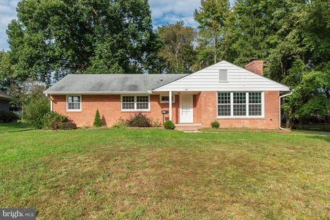 627 Burkley Ave, Aberdeen, MD 21001