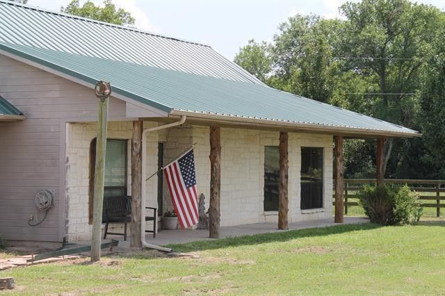 1955 County Road 4108 Greenville, TX 75401