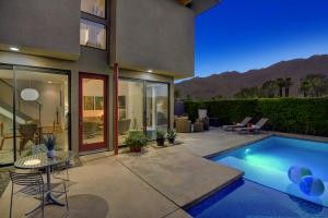 1464 E Baristo Rd Palm Springs, CA 92262