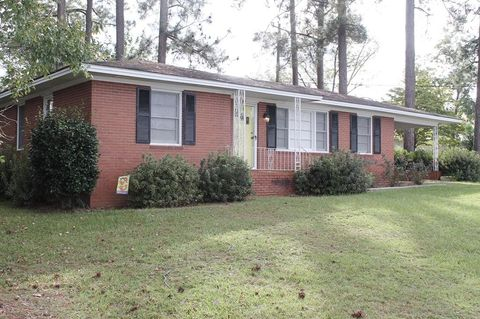 Photo of 2 Lakeview Dr, McRae Helena, GA 31055
