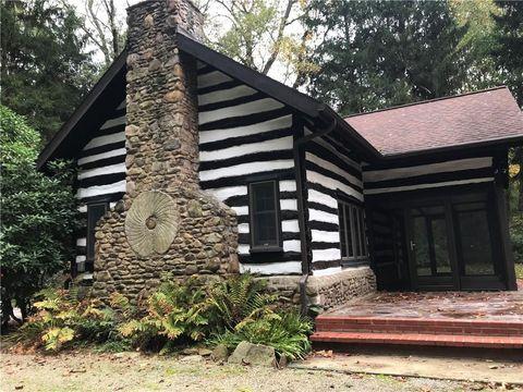 Photo of 645 Ann Roberts Rd, Ligonier, PA 15658
