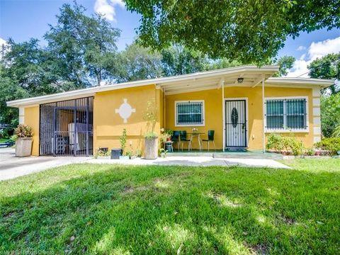 4909 Burgundy Ln  Orlando  FL 32808. Orlando  FL 5 Bedroom Homes for Sale   realtor com
