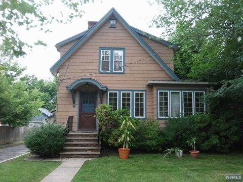 Photo of 91 Hackensack Ave, Harrington Park, NJ 07640