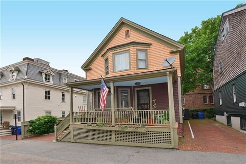 Photo of 1 Green Pl, Newport, RI 02840