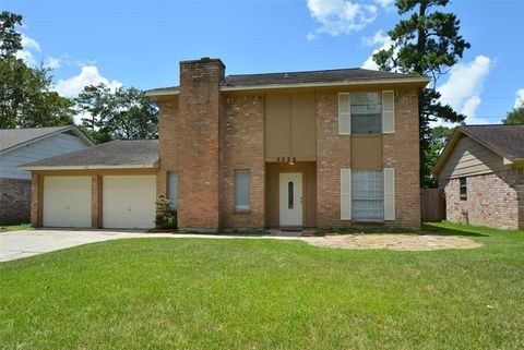 Photo of 8226 Autumn Willow Dr, Tomball, TX 77375