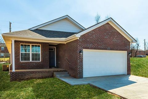 Photo of 125 Dallas Dr, Nicholasville, KY 40356