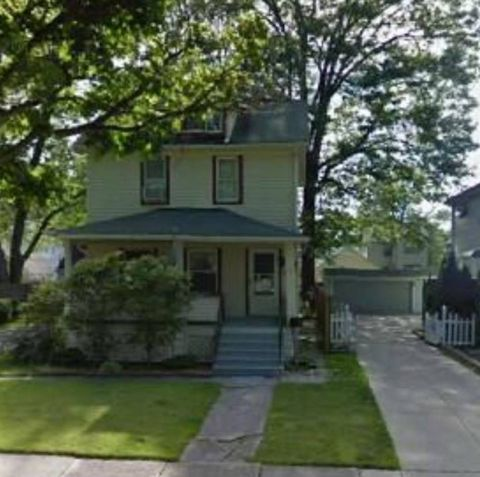 Photo of 2180 Morrison Ave, Lakewood, OH 44107
