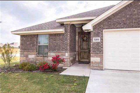 Photo of 3201 Main St, Granbury, TX 76049