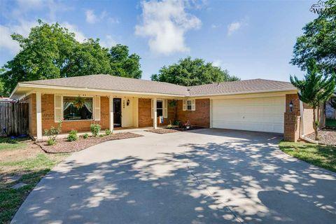 Photo of 1046 Jan Lee Dr, Burkburnett, TX 76354