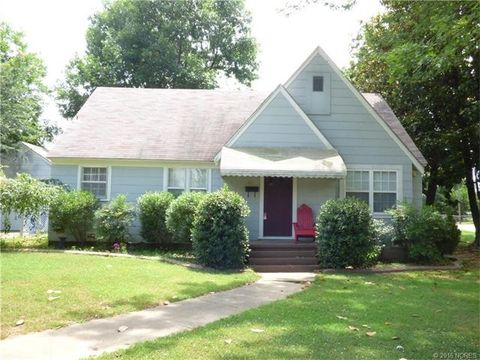 412 Sw 2nd St, Checotah, OK 74426