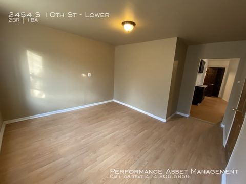 Photo of 2454 S 10th St Unit Lower, Milwaukee, WI 53215