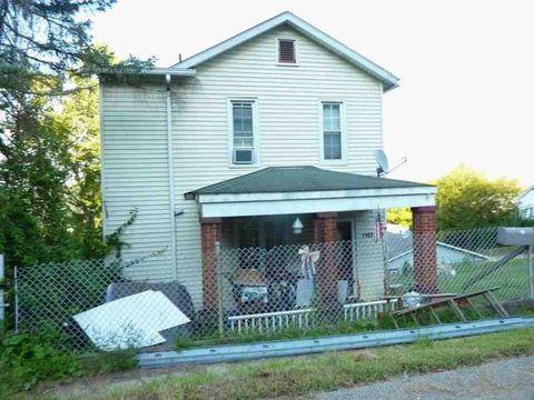 Photo of 1102 Oakland Ave, Charleroi, PA 15022