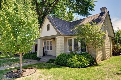 Photo of 3917 W 7th St, Fort Worth, TX 76107