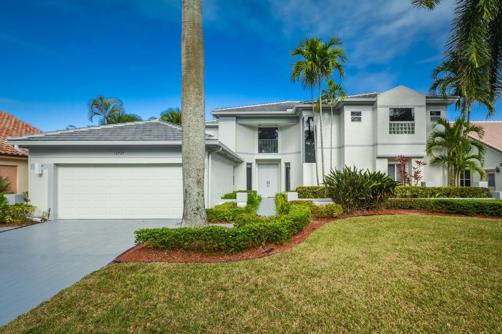 10727 Santa Rosa Dr, Boca Raton, FL 33498