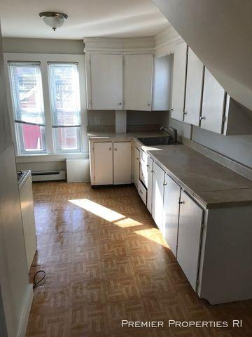 Photo of 89-91 Hamlet Ave Unit 3, Woonsocket, RI 02895