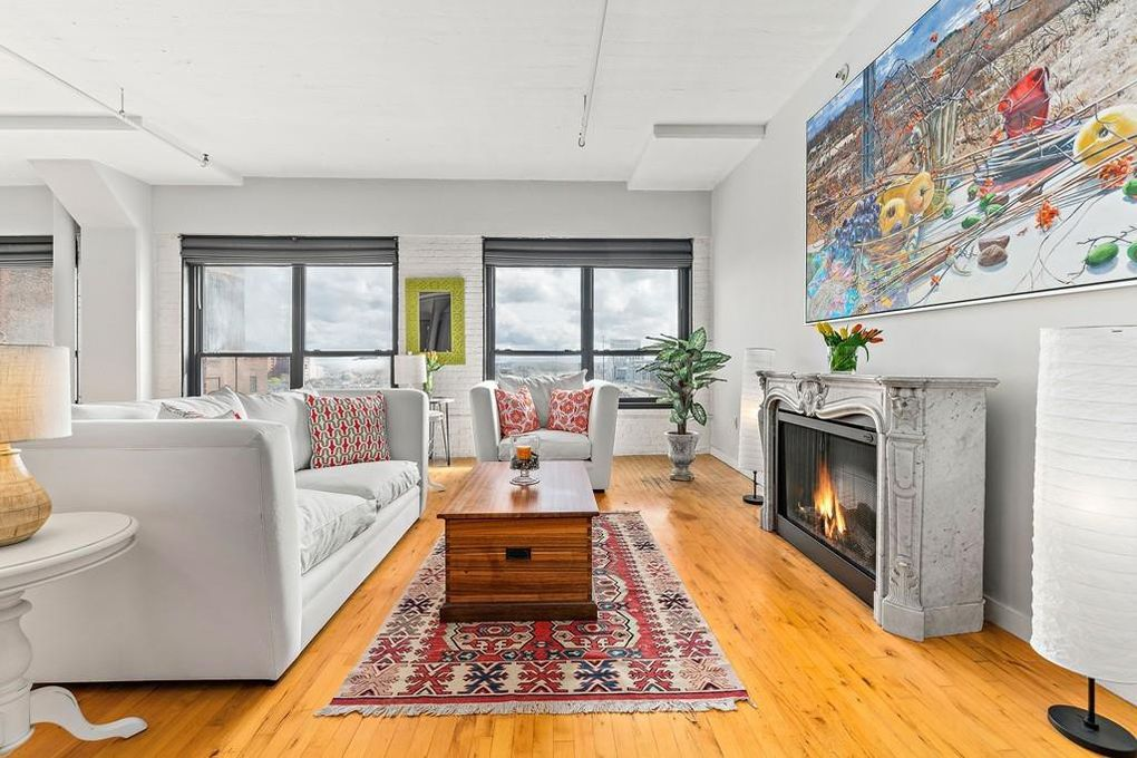 210 Lincoln St Apt 802, Boston, MA 02111
