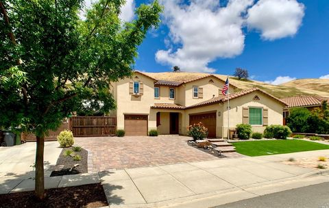 Photo of 1372 Couples Cir, Fairfield, CA 94533