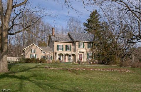 88 Old Ln, Montville Township, NJ 07082