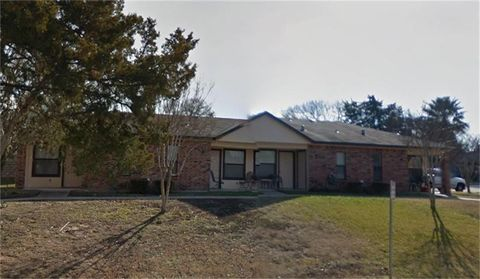 Photo of 801 W Jefferson St, Brenham, TX 77833