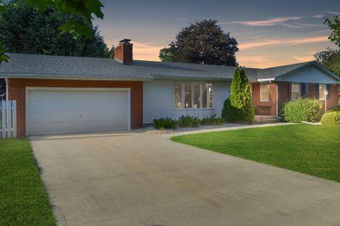 Photo of 453 Oak St, Princeton, IL 61356