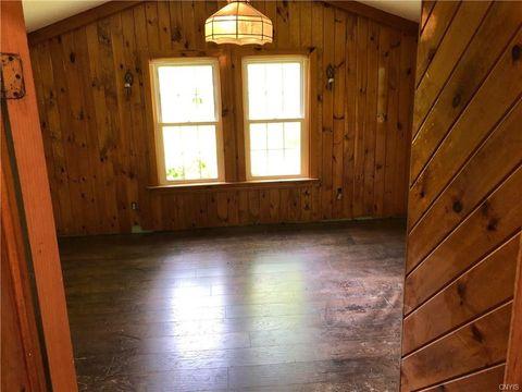 Johnstown, NY Real Estate - Johnstown Homes for Sale - realtor com®