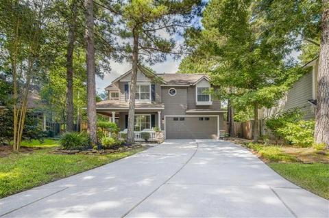 11 E New Avery Pl, The Woodlands, TX 77382