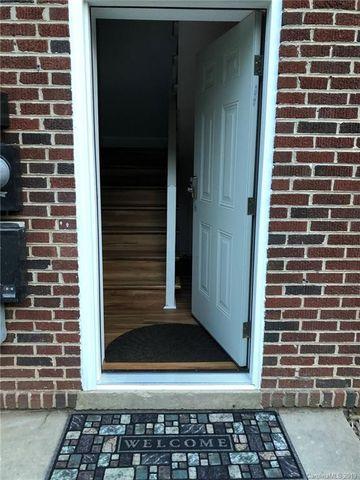 Photo of 606 6th St, North Wilkesboro, NC 28659