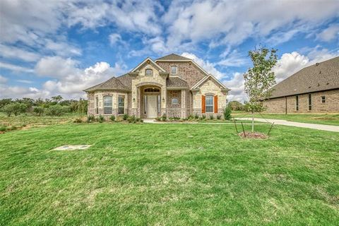 Photo of 2016 Glen Hollow Ct, Joshua, TX 76058