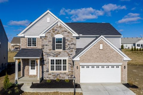 8915 Bluejay View Dr, Cleves, OH 45002