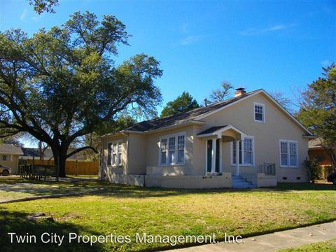 Photo of 807 E 30th St, Bryan, TX 77803