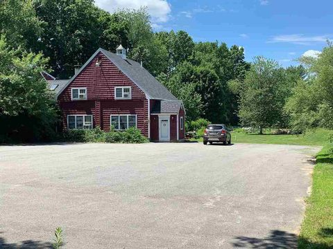 Photo of 178 Exeter Rd, Newfields, NH 03856