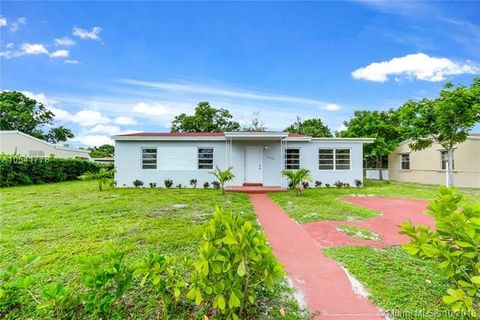 16040 Nw 17th Ct, Miami Gardens, FL 33054. House For Sale