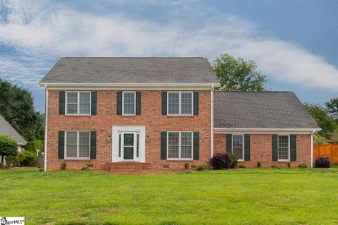 Photo of 313 S Wingfield Rd, Greer, SC 29650