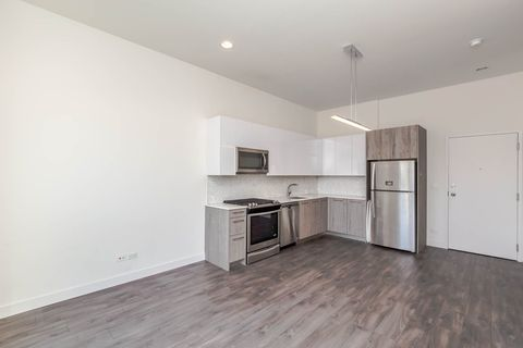 Photo of 3941 N Keeler Ave Apt 105, Chicago, IL 60641