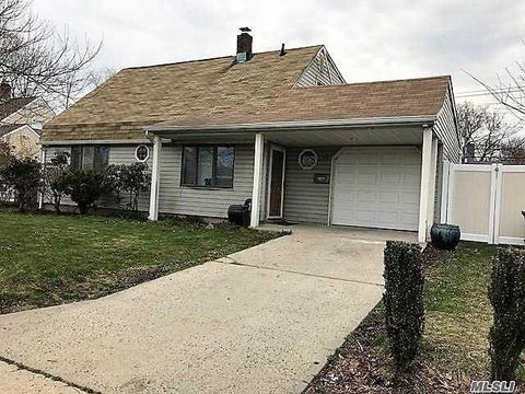 Photo of 74 Carnation Rd, Levittown, NY 11756