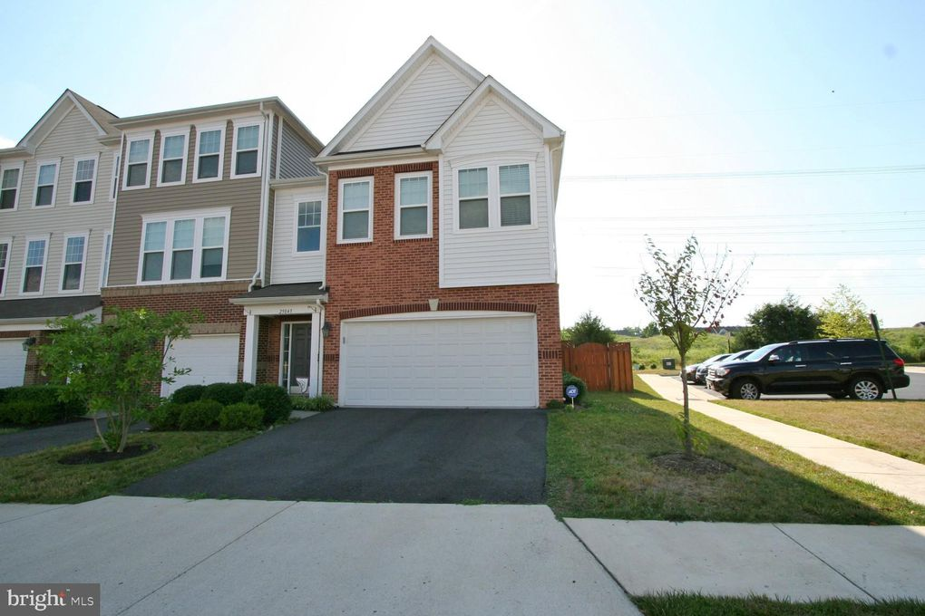 25045 Green Mountain Ter Aldie, VA 20105