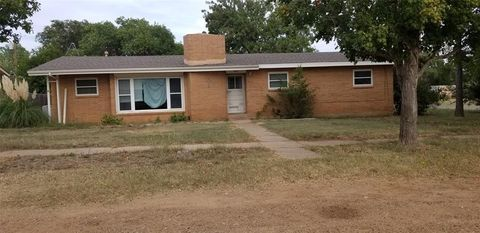 Photo of 621 S Mc Lean, Clarendon, TX 79226