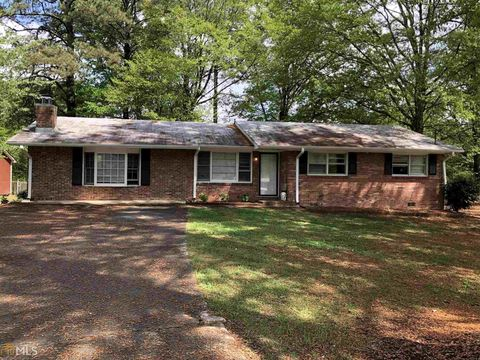 Photo of 1227 Dove Ct, Morrow, GA 30260