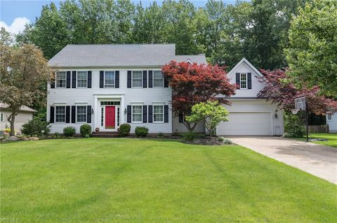 Photo of 7773 Debonaire Dr, Mentor, OH 44060
