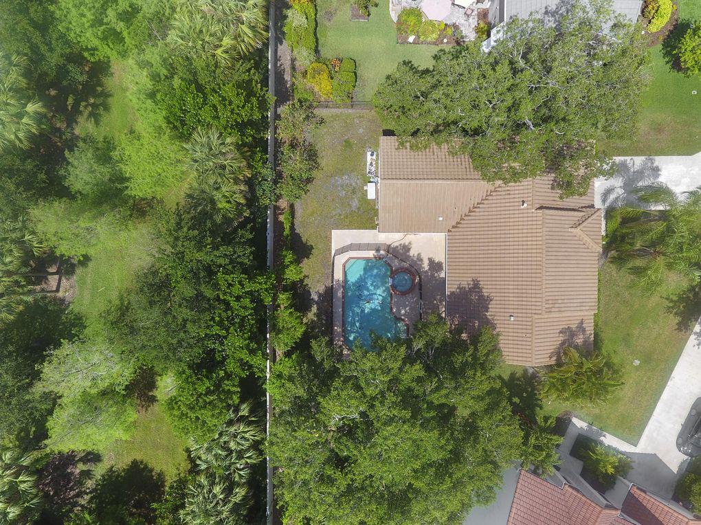 10223 Hunt Club Ln, Palm Beach Gardens, FL 33418