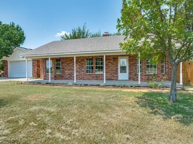 8229 E Lone Oak Rd Valley View, TX 76272