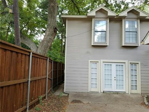 924 Red Oak Creek Dr Unit B, Ovilla, TX 75154