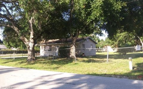Photo of 1044 Luray Ave, Fort Myers, FL 33916